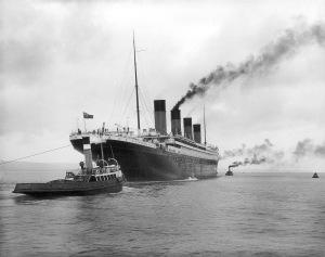 RMS Titanic setting sail